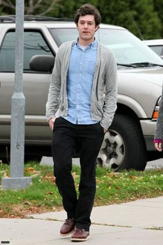 Adam Brody looks stylish and chill with this getup.