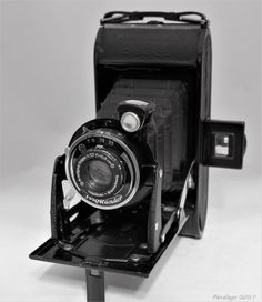 Voightlander Bessa Folding Roll film Camera - c1942