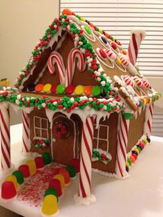 100 Gingerbread House Ideas to give your Christmas Party a Delicious Dose of Happiness - Hike n Dip Thinking about Gingerbread house decorating party? Then you have to have a look at these delicious and cute Gingerbread house ideas right here. White Gingerbread House, Graham Cracker Gingerbread House, Cardboard Gingerbread House, Gingerbread Castle, Cool Gingerbread Houses, Gingerbread House Designs, Gingerbread House Parties, Gingerbread Cookies, Ginger Bread House Diy