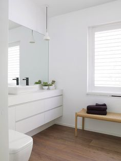Sanders & King St Kilda 50 | Est Magazine Master Bathroom Vanity, Wood Bathroom, Simple Bathroom, Bathroom Toilets, Bathroom Renos, Country Bathroom Vanities, Bathroom Vanity Units, Family Bathroom, Ensuite Bathrooms
