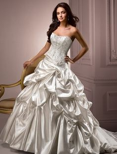 ball gowns are so stunning