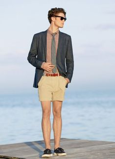 Shorts with blazer and tie. #shorts #style #fashion #look #outfit #inspiration #summer