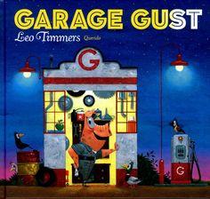 // Leo Timmers - Garage Gust // In zijn garage bedenkt Gust voor iedereen geweldige oplossingen. Zoals voor neushoorn Rico die een te klein zadel heeft en voor giraf Gina die een stijve nek krijgt in haar cabrio. Oblong prentenboek met vrolijke, humoristische kleurenillustraties en tekst op rijm. Vanaf ca. 4 jaar.