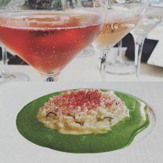 Quanti colori ha il Lambrusco? I Metodo Classico di Cantina della Volta oggi incontrano la grande cucina dello chef stellato Antonio Guida al ristorante Seta del Mandarin Hotel di Milano. Tono su tono.