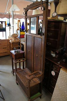 Antique Victorian Hall Tree is what I want instead of mud room stuff Victorian Furniture, Funky Furniture, Cabinet Furniture, Furniture Design, Victorian Hall Trees, Antique Hall Tree, Victorian Coat, Bedford House, Empire Furniture