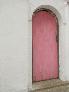 Pink Door in Kensington ~ London : Paris Atelier