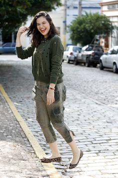 Look de brechó seguindo tendências de moda atuaisDiga Xs