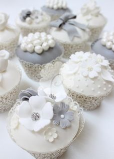 Pearl Silver cupcakes