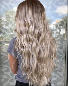 """2,647 Likes, 30 Comments - Mallery Share (@hellobalayage) on Instagram: """"Soft cool Balayage BEHIND THE CHAIR ONE SHOT #behindthechair #btconeshot_hairpaint17…"""""""