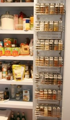 Pantry door spice rack.........if only I had my spices like that! I love it!