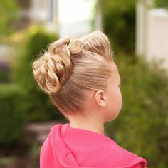 jehat hair — I love this 3D pull through to a bun with poof in...
