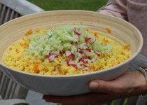 Couscoussalade met kurkuma en groentjes