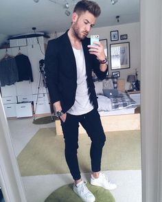 Casual Outfit Ideas For Guys Pictures casual outfit ideas for men owless Casual Outfit Ideas For Guys. Here is Casual Outfit Ideas For Guys Pictures for you. Casual Outfit Ideas For Guys casual coat outfit ideas for men men. Mens Fashion Blog, Suit Fashion, Urban Fashion, Fashion Tips, Workwear Fashion, Fashion Ideas, Fashion Menswear, Girl Fashion, Fashion 2016