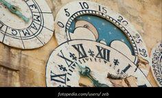 Σιμόν Ντε Μπωβουάρ, «Όλοι οι Άνθρωποι είναι Θνητοί», του Δημήτρη Μαραντίδη Literature, Cinema, Clock, Wall, Home Decor, Literatura, Watch, Movies, Decoration Home