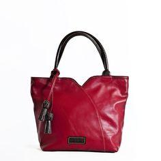 Bolso de Mano en piel de primera calidad El Montes. Shoulder Bag, Fashion, Women's Handbags, Hands, Fur, Women, Moda, Fashion Styles, Shoulder Bags