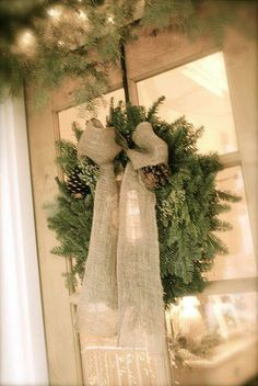 Love the linen (or white burlap) bow and wreath