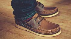Tout le monde est concerné par la transpiration. Quand il s'agit des pieds, c'est embêtant. L'odeur peut rester dans les chaussures et ce n'est pas du tout agréable. Contre la trans