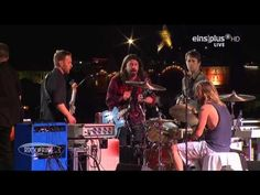 Foo Fighters - Under Pressure (Rock am Ring 2015) - YouTube