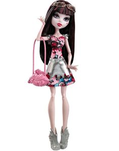 Monster High Boo York, Boo York Frightseers Draculaura Doll http://thedollprincess.com/monster-high-boo-york-dolls/