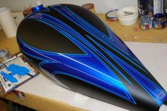 Motorcycle Paint Jobs, Motorcycle Tank, Custom Tanks, Custom Bikes, Air Brush Painting, Car Painting, Boat Pics, Pinstripe Art, Motos Harley Davidson