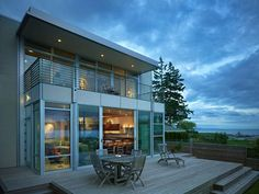 5 Extraordinary Modern House Ideas - http://www.buckeyestateblog.com/5-extraordinary-modern-house-ideas/?utm_source=PN&utm_medium=pinterest+flags&utm_campaign=SNAP%2Bfrom%2BBuckeyestateblog