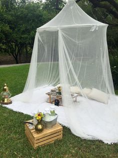 Best backyard wedding night patio 54 Ideas Related posts: -A buffet is casual and laid-back, just like your backyard.cute for backyard wedding Backyard Wedding Decorations, Wedding Backyard, Wedding Picnic, Backyard Picnic, Backyard Ideas, Outdoor Camping, Garden Ideas, Backyard Parties, Picnic Parties