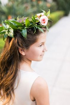 Flower girl hair: http://www.stylemepretty.com/california-weddings/los-angeles/2015/04/22/art-deco-inspired-downtown-la-wedding/ | Photography: Candice Benjamin - http://www.candicebenjamin.com/