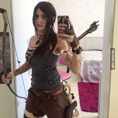 Lara Croft Tomb Raider cosplay selfie