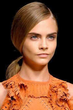 . Cara Delevingne, Ermanno Scervino, Fashion Week, Milan Fashion, Hair Hacks, Makeup Inspiration, Ponytail, Makeup Looks, Fashion Beauty