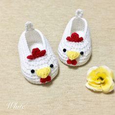 Crochet Baby Boots, Booties Crochet, Crochet Shoes, Baby Booties, Baby Shoes Pattern, Baby Patterns, Crochet Patterns, Crochet Crafts, Crochet Projects