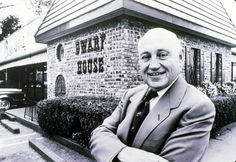 New York Times: Sept. 2014 - Obituary: S. Truett Cathy, Chick-fil-A owner, dies at 93 New York Times, Ny Times, Local History, The Heirs, American History, Georgia, Atlanta, Christian, Guys