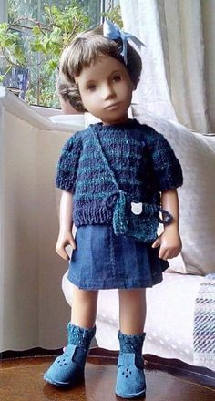 Knitting Pattern for Sasha//Gregor Baby, Jumper Short Trousers and Shoes.