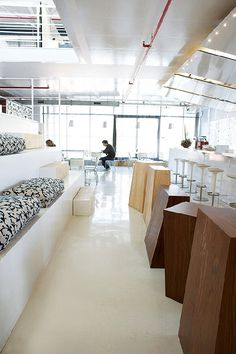 Ogilvy's head office in Woodstock places no boundaries on creativity. Modern Interior Design, Interior Architecture, Airport Lounge, Future Office, Roomspiration, Commercial Design, Home Accents, Modern Contemporary