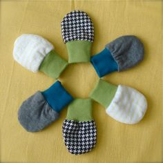 Baby Mittens Tutorial via lilblueboo.com.....cute way to use your scraps