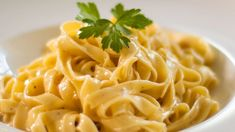 Authentic Fettuccine Alfredo - Easy Meals with Video Recipes by Chef Joel Mielle - Italian Pasta Recipes, Italian Dishes, Great Recipes, Easy Recipes, Favorite Recipes, How To Make Fettuccine, Fettuccine Alfredo, Recipe 30, Fresh Pasta