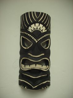 wood carved tiki mask Tiki Man, Tiki Totem, Hawaiian Tiki, Arte Tribal, Homemade Art, Surfboard Art, Art Projects, Tropical, Theme Cakes