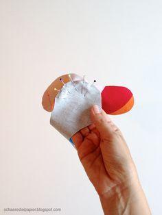 schaeresteipapier: Spielbälle - selbst gemacht Christmas Colors, Coin Purse, Toys, Crafts, Ann, Fabric Hearts, Dressmaking, Kids Diy, Sew Toys