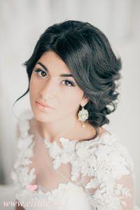 Свадебная прическа на черные волосы