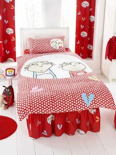 Charlie and Lola Single Duvet Cover and Pillowcase Bedding Charlie and Lola Duvet Cover and Pillowcase Single Size. Duvet Size 137cm x 200cm (54in x 78in). Pillowcase Size 50cm x 75cm (19in x 29in). 50% cotton, 50% polyester. Machine Washable. To fit single b http://www.comparestoreprices.co.uk//charlie-and-lola-single-duvet-cover-and-pillowcase-bedding.asp