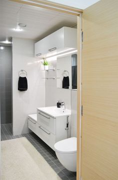 Bathroom Interior, Bathroom Ideas, Toilet, House Plans, Bathtub, Iso, Interior Design, Saunas, Home