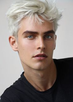 Guys With White Hair, White Hair Men, Blonde Hair Blue Eyes, Guys With Colored Hair, Blonde Grise, Men Hair Color, Grunge Hair, Male Face, Handsome Boys