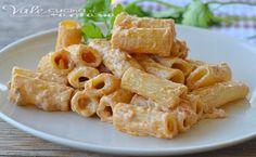 Pasta con pesto di pomodori secchi tonno e philadelphia