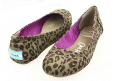This is my favorite,I enjoy these shoes.It's pretty cool (: Check it out! | See more about ballet flats, toms outlet shoes and toms shoes outlet.