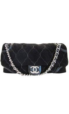 Chanel black flap bag l Vaunte