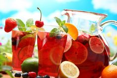 Summer Strawberry and Peach Sangria | Capers Catering