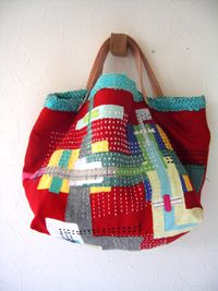 Another awesome quilted bag Japanese Bag, Japanese Quilts, Patchwork Bags, Quilted Bag, Boro, Sashiko Embroidery, Luxury Purses, Fabric Bags, Tote Purse