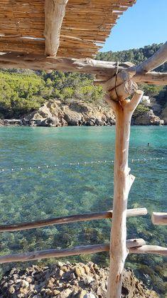 Ibiza 2018 - travel tips and cool hotspots Ibiza 2018 - reistips en toffe hotspots Ibiza benirras beach. Ibiza Travel, New Travel, Spain Travel, Beach Travel, Travel Tips, Places To Travel, Travel Destinations, Places To Visit, Ibiza Strand
