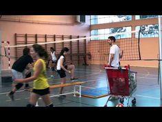 TRAVAIL DE BASE AVEC attaque DÉBUTANTS technique pour le volley girlis - YouTube