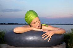 Esculturas de Nadadoras Hiperrealistas