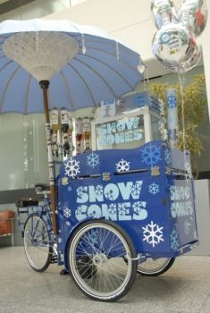 Snow Cone Business - Work Bike from Pashley Cycles - England's longest established bicycle manufacturer in Stratford-upon-Avon). Food Trucks, Bicycle Cart, Bike Food, Mobile Business, Cargo Bike, Snow Cones, Summer Time, Happy Summer, Hipsters